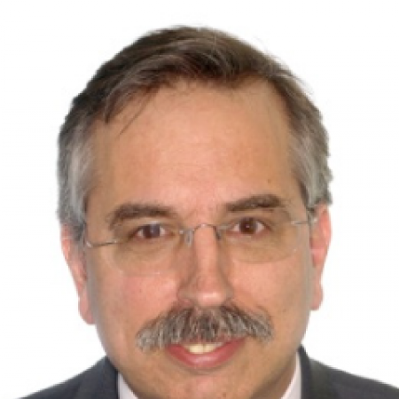 Dr. Fernando González